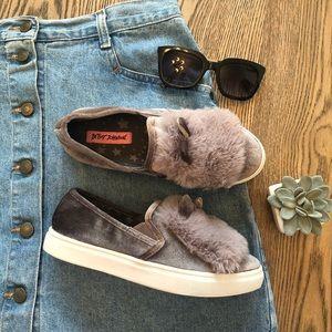 Betsey Johnson Fuzzy Ears Faux Fur Sneakers Sz 5